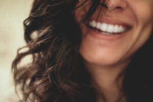 The Reasons Why You Need To Floss Your Teeth